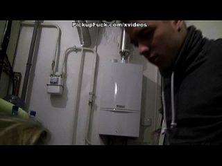 सुनहरे बालों वाली प्यारा सितारों नकदी के लिए सार्वजनिक बकवास वीडियो में दृश्य 2