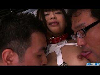 शानदार एशियाई गैंगबैंग में पकड़ा चिका ईशहर प्यारा किशोर
