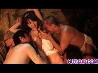 yui योनी के लिए dildo खेलने