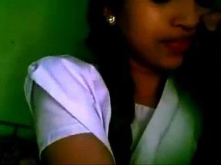 गर्म बंगला लड़की यूट्यूब चुंबन