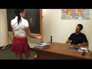 busty स्कूल लड़की वीर्य के साथ कवर किया जाता है
