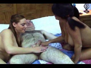 भाग्यशाली आदमी में groupsexvideo