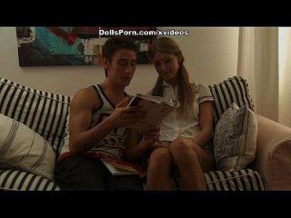 गोरा गर्म गुदा सेक्स वीडियो दृश्य 1 में