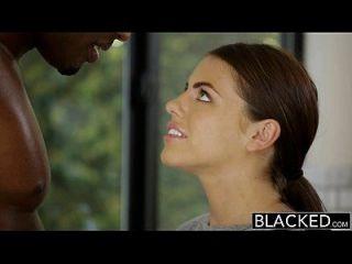 काला काला प्रेमिका एड्रियाना chechick एक बड़ा काला मुर्गा के साथ धोखा देती है