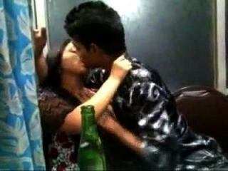 चुरीदर में भारतीय देसी लड़की