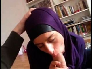 मुस्लिम माँ महान blowjob camgirls22 कॉम देता है