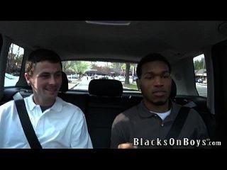 शॉन डीन अपने पहले ब्लैक कॉक पर काम करता है