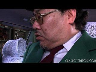 एक कार में 8 विनम्र जापानी फूहड़ खाने सह