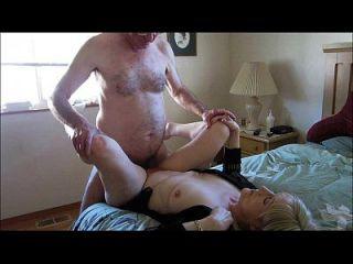 पुरानी जोड़ी सेक्स के लिए ऑनलाइन हुक