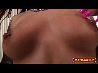 संयुक्त राज्य अमेरिका में मेग्मा फिल्म मिक ब्लू