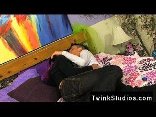 युवा कोरियाई समलैंगिक वीडियो जब ऊब किशोर twinks एक साथ मिलता है, वे