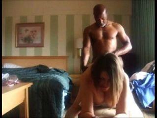 cuckolding पत्नी काला आदमी और पति के लिए फिल्मों fucks