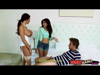 पतली किशोरों की बेब में पकड़ा बेस्टीमिला बेडरूम में उसके आदमी seducing