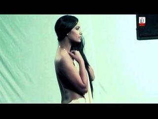 पूनम पेंडी फिल्म नशा से बोल्ड सीन