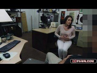 खूबसूरत पत्नी उसे बिल्ली गड़बड़ हो रही है
