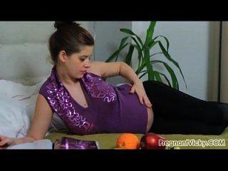गर्भवती विकी से pregnantvicky.com # 07