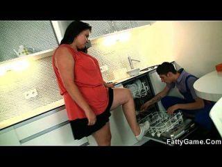बड़े लूट प्लम्पर ने पतली लड़का को लुभाना