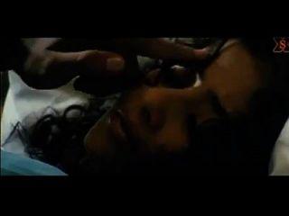 मनीषा कोइराला हॉट नाभि चुंबन और पूर्ण सेक्स.एमपी 4