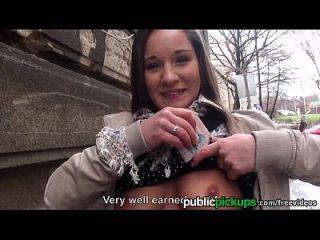 mofos यूरो किशोरों उठाया और गड़बड़ हो जाता है