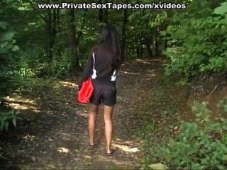 शरारती लड़की कमबख्त नग्न आउटडोर के साथ वीडियो शौकिया सेक्स