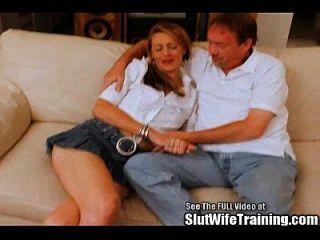 सुनहरे बालों वाली पत्नी को अश्लील होना चाहती है डीवीडी स्टार!