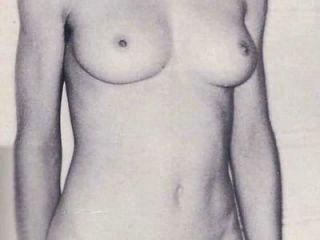 नग्न नग्न: /
