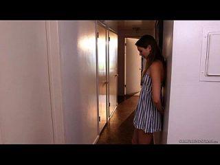 कैसंद्रा निकस और जैसी एंड्रयू समलैंगिक यौन संबंधों का आनंद लेते हैं