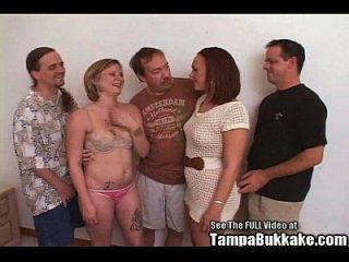 दो पार्टी sluts मिल कुछ कमबख्त bukkake