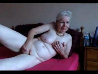 गर्म ब्रिटेन दादी संभोग livetaboocams.com