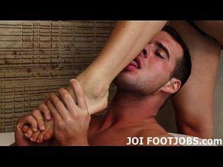 अपने footjob बुत वास्तव में मुझ पर बदल जाता है