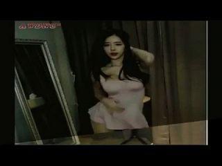 होटल में 18 गर्म किशोरों की कैटी फ़ान नृत्य