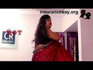 भारतीय घर की पत्नी रोमांस जो उसके खो आधार कार्ड लाती है