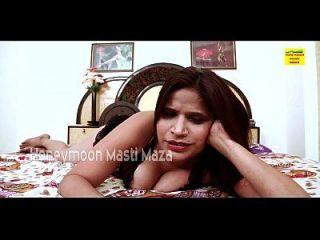 भारतीय देसी भाभी ने कैम पर स्तन दिखाया