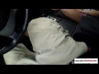 कार वीडियो में blowjob