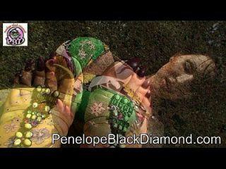 penelope काले हीरे आउटडोर गुदा blowjob पूर्वावलोकन