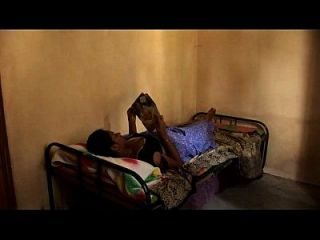सेक्सी युवा तमिल लड़कियों समलैंगिक बिस्तर दृश्य नाभि बिल्ली और निप्पल पर्ची