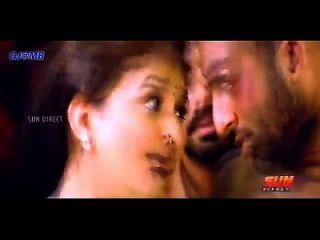 मलयालम आइटम गाना में सेक्सी सोना चाची