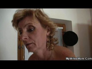 गोरा मां कानून वर्जित सेक्स