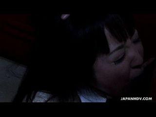 एशियाई स्कूल लड़की वसा डांग पर मुश्किल चूसने