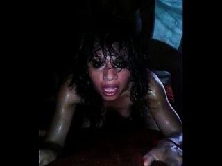 सेक्सी लैटिना गुदा से चिल्लाती