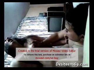 देसी हॉट भाभी घर का बना कट्टर सेक्स वीडियो (desiteens69.com)