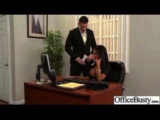 बड़े juggs के साथ फूहड़ कार्यालय लड़की सेक्स फिल्म का आनंद 19