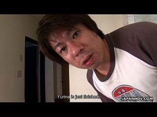 एशियाई स्कूल बेब एक गंदा गिरोह पीटने सत्र है