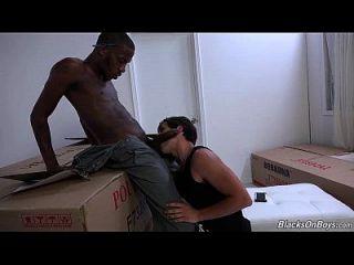 ज़ैक स्टेवेन सेक्स डिलीवरी आदमी को सेक्स के साथ देता है I