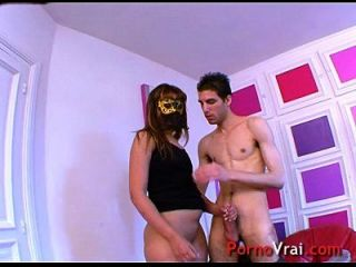 अरब लड़की Sabrina अश्लील वीडियो के सामने हस्तमैथुन प्यार करता है! फ्रेंच शौकिया