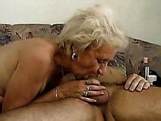 दादी deepthroat कर सकते हैं