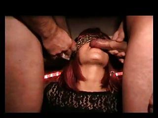 खुशमिजाज आदमी क्लब में bukkake सह फूहड़ पत्नी