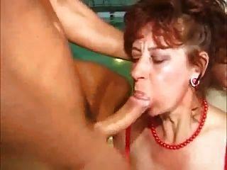 दादी blowjob संकलन