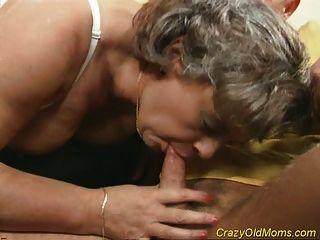 पागल पुराने माँ मुर्गा गड़बड़ और कार्यालय blowjob सेक्स हो जाता है