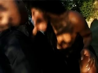 काले वेश्या - कार में blowjob